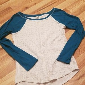 Teal sleeve with lace front top